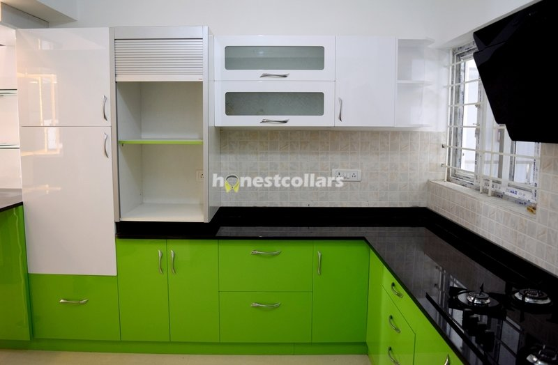 Modular Kitchen In High Gloss Laminate Finish