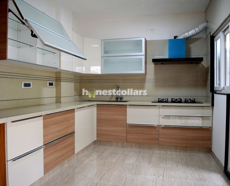Modular Kitchen In Matt Laminate Finish